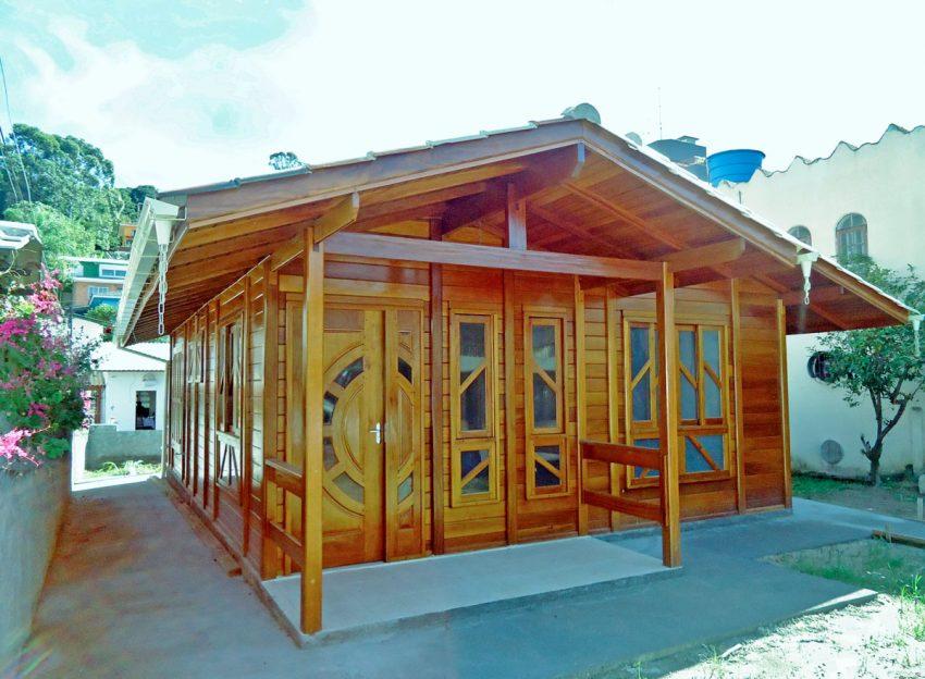 casa-madeira-54-60m2-vista-externa-frontal (4)