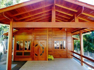 casa-madeira-93-31m2-vista-frontal02